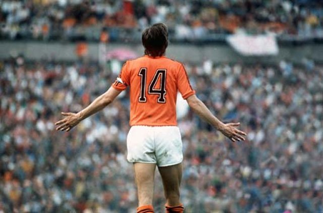 cruijff - sport communication