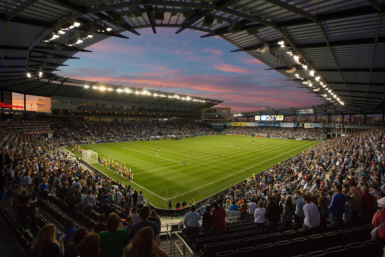 Facebook invade il territorio di Twitter e lancia Sports Stadium